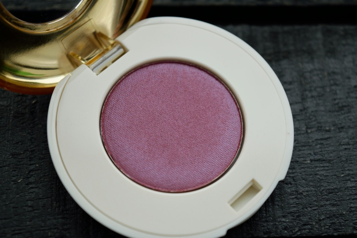 hm-eyeshadow-triple-raspberry-03-keshyoubeauty