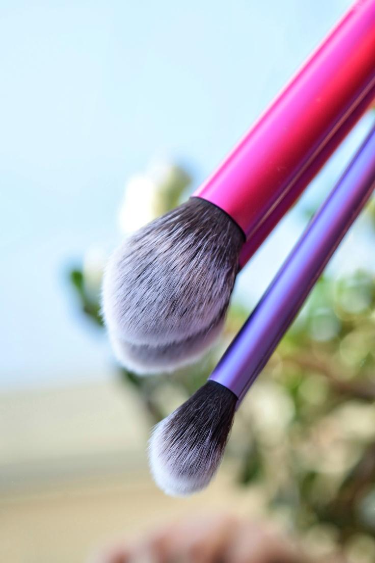 real-techniques-multitask-cheek-eye-brush-keshyoubeauty