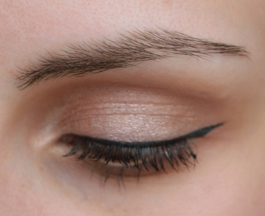artdeco-gel-creme-for-brows-24-driftwood-keshyoubeauty-03